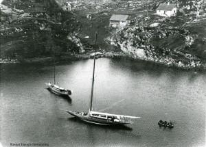 "75 kvm krysser ""Pus"" fra bergensskjærgården utanfør Bergen ca 1917"
